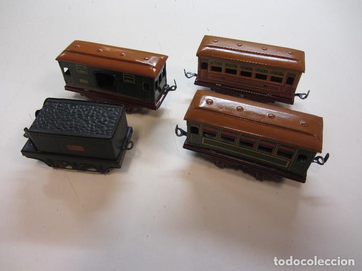Trenes Escala: Tren eléctrico Payá. Años 40 aprox. En caja original. Locomotora y 4 vagones. No probado 125v. - Foto 10 - 251035665