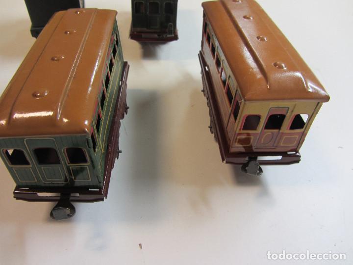 Trenes Escala: Tren eléctrico Payá. Años 40 aprox. En caja original. Locomotora y 4 vagones. No probado 125v. - Foto 12 - 251035665