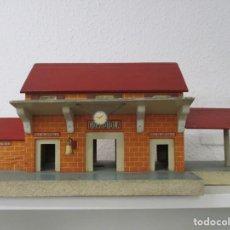 Trenes Escala: ESTACION DE TREN DE MADERA / PUEBLO DE GUARDIOLA / MADERA / IDEAL ESCALA 0. Lote 218515867