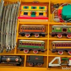 Trenes Escala: TREN ELÉCTRICO 984 DE PAYA, ESTACIÓN BILBAO, TRANSFORMADOR, TOPE VIAS, LOCOMOTORA,TENDER Y VAGONES.. Lote 226915750