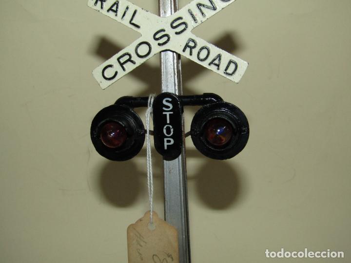 Trenes Escala: Antiguo Semáforo Señal Cruce de Ferrocarril Eléctrico para Trenes Esc. *0* de LIONEL USA - Año 1930s - Foto 2 - 228707345