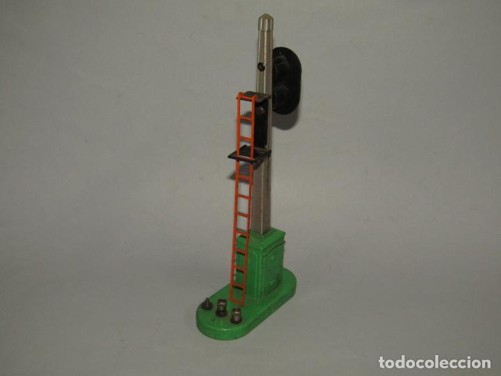 Trenes Escala: Antiguo Semáforo con Escalera Eléctrico Maquetas Trenes en Escala *0* LIONEL 23 cm. Año 1920-30s. - Foto 3 - 232319430