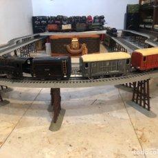 Trenes Escala: LOCOMOTORA JEP CON TENDER Y DOS FURGONES. Lote 277679818