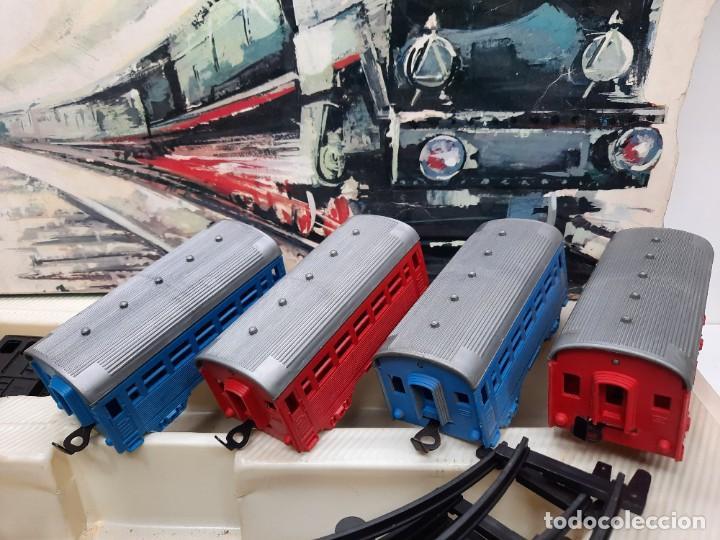 Trenes Escala: PAYÁ TREN FERROCARRIL MECANICO ESCALA 0 CON 2 LOCOMOTORAS Y 4 VAGONES PAYA - Foto 9 - 288886788