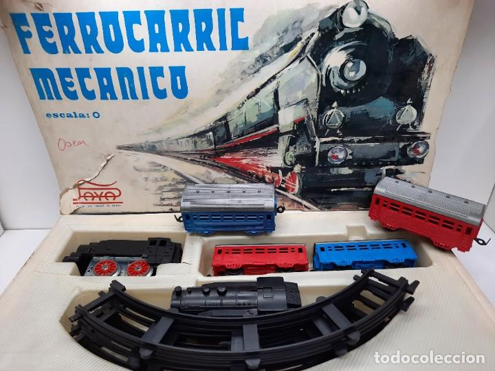 Trenes Escala: PAYÁ TREN FERROCARRIL MECANICO ESCALA 0 CON 2 LOCOMOTORAS Y 4 VAGONES PAYA - Foto 13 - 288886788