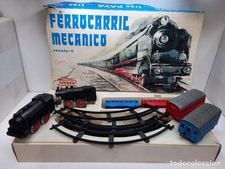 PAYÁ TREN FERROCARRIL MECANICO ESCALA 0 CON 2 LOCOMOTORAS Y 4 VAGONES PAYA (Juguetes - Trenes Escala 0)