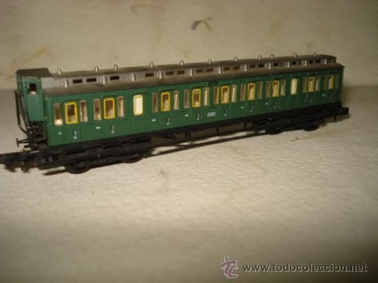 Trenes Escala: Coche Viajeros a Compartimentos 3ª Clase y Garita de la KPEV en Escala *N* 1/160 de ARNOLD.Año 1980s - Foto 2 - 37127009