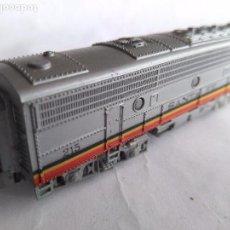 Trenes Escala: ARNOLD RÁPIDO N, VAGÓN 2ª UNIDAD LOCOMOTORA SANTA FE . VÁLIDO IBERTREN. Lote 98706399