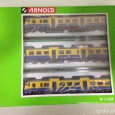Trenes Escala: TREN, AUTOMOTOR DIESEL 592 RENFE, CAMELLO AMARILLO AZUL, ARNOLD HN2167, NUEVO A ESTRENAR. Lote 130936319