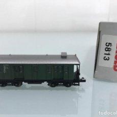 Trenes Escala: TREN, ARNOLD 5813, COCHE DE BOGIES , DB 101 979 FFM VERDE. Lote 143056506