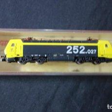 Trenes Escala: ARNOLD,N,2436,LOCOMOTORA RENFE 252 EN CAJA,TIPO FLEISCHMANN,IBERTREN,ROCO ETC. Lote 151371494