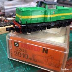 Trenes Escala: TREN LOCOMOTORA ARNOLD. Lote 194123341