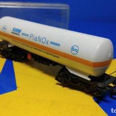 Trenes Escala: VAGON DE MERCANCIAS ESCALA N ARNOLD CISTERNA PIANOX 2452 DB E-119. Lote 194389270