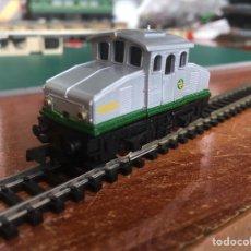 Trenes Escala: LOCOMOTORA ARNOLD RAPIDO 2N CON LUZ. Lote 218698610