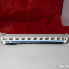 Trenes Escala: VAGÓN PASAJEROS RENFE ESCALA N DE ARNOLD. Lote 221845901