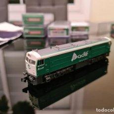 """Trenes Escala: LOCOMOTORA RENFE DIESEL 321 """"ADIF"""" DIGITAL CON SONIDO. Lote 243911810"""