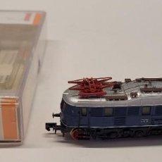 Trenes Escala: ARNOLD- LOCOMOTORA ELÉCTRICA SERIE E18 36 DB CON LA REFERENCIA 2447, ESCALA N. Lote 286789518