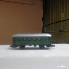 Trenes Escala: VAGÓN PASAJEROS 2 EJES ESCALA N DE ARNOLD. Lote 297074358