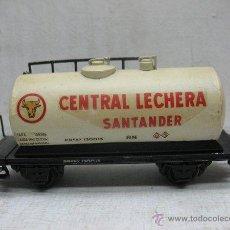 Trenes Escala: ELECTROTREN RENFE - ANTIGUO VAGÓN DE CHAPA CISTERNA CENTRAL LECHERA SANTANDER 1ª ÉPOCA - ESCALA H0. Lote 43861935
