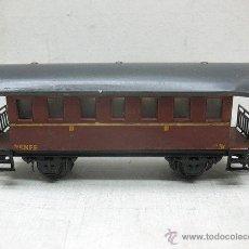 Trenes Escala: ELECTROTREN RENFE - ANTIGUO COCHE DE CHAPA DE PASAJEROS III 1ª ÉPOCA - ESCALA H0. Lote 43874388