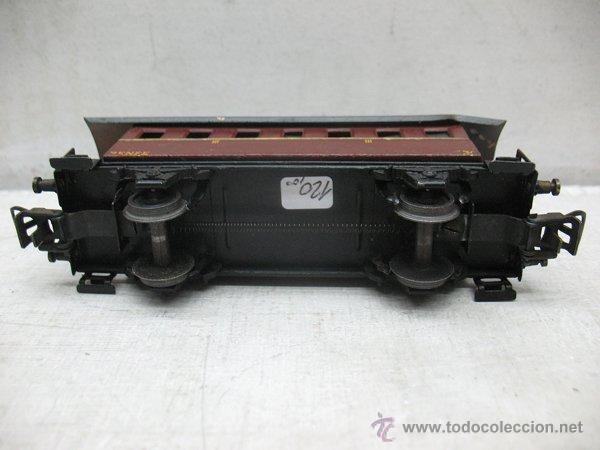 Trenes Escala: Electrotren Renfe - Antiguo coche de chapa de pasajeros III 1ª época - Escala H0 - Foto 6 - 43874388