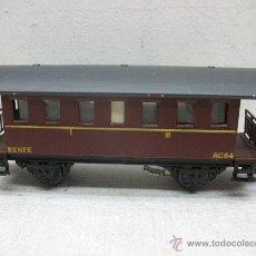 Trenes Escala: ELECTROTREN RENFE - ANTIGUO COCHE DE CHAPA DE PASAJEROS III AC 64 1ª ÉPOCA - ESCALA H0. Lote 58253033