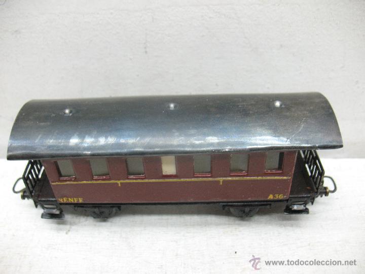 Trenes Escala: Electrotren Renfe - Antiguo coche de chapa de pasajeros III A 36 1ª época - Escala H0 - Foto 4 - 43875100