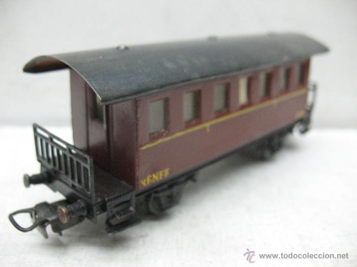 Trenes Escala: Electrotren Renfe - Antiguo coche de chapa de pasajeros III A 36 1ª época - Escala H0 - Foto 5 - 43875100