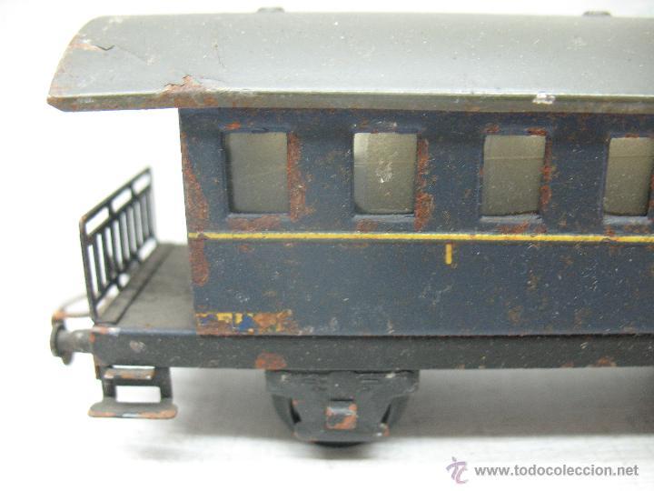 Trenes Escala: Electrotren Renfe - Antiguo coche de chapa de pasajeros III 1ª época - Escala H0 - Foto 3 - 43875234