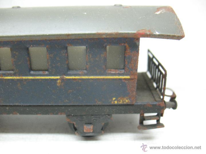 Trenes Escala: Electrotren Renfe - Antiguo coche de chapa de pasajeros III 1ª época - Escala H0 - Foto 4 - 43875234