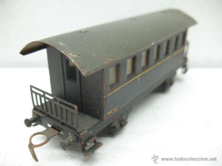 Trenes Escala: Electrotren Renfe - Antiguo coche de chapa de pasajeros III 1ª época - Escala H0 - Foto 5 - 43875234