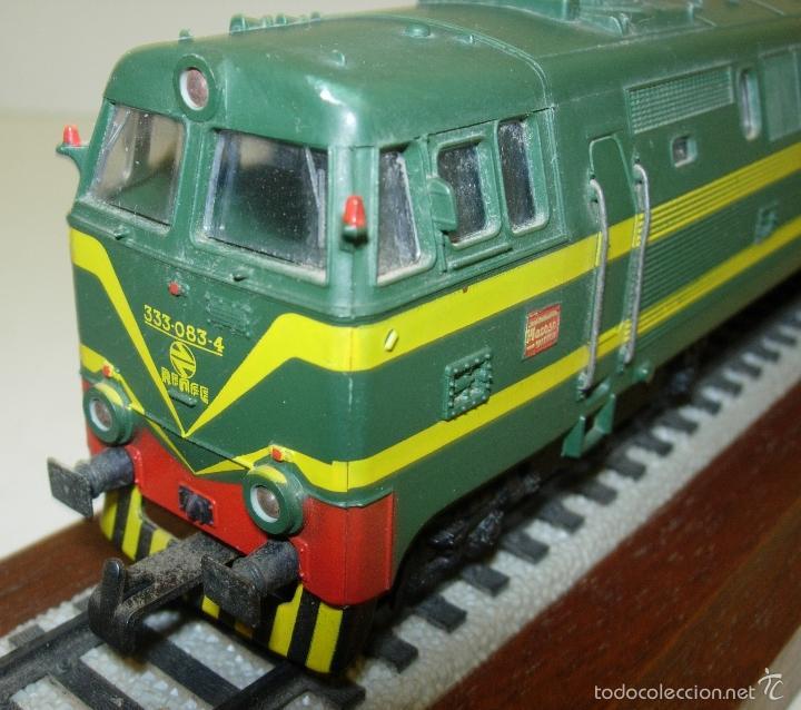 Trenes Escala: ELECTROTREN LOCOMOTORA 333 DECORATIVA CON PEANA RENFE PISAPAPELES DIRECTIVOS EMPRESA MACOSA - Foto 7 - 165221937