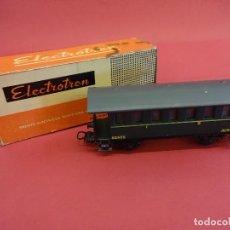 Trenes Escala: ELECTROTREN HO. VAGÓN PASAJEROS RENFE VERDE. EN CAJA ORIGINAL. ANTIGUO. Lote 98209427