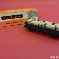 Trenes Escala: ELECTROTREN HO. VAGÓN TRANSPORTE CON FARDOS EN CAJA ORIGINAL. ANTIGUO. Lote 98210407