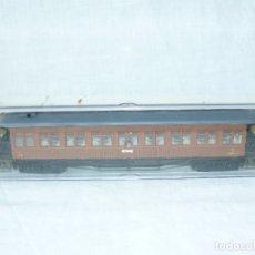 Trenes Escala: ELECTROTREN COCHE DE VIAJEROS MZA SEVILLA REF. 5008 MARRON, CUATRO EJES ESCALA H0 1:87. Lote 104145455