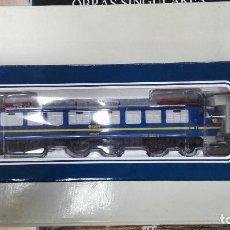 Trenes Escala: ELECTROTREN 2583 AC DIGITAL. LOCOMOTORA ELECTRICA RENFE 251.. Lote 112729955