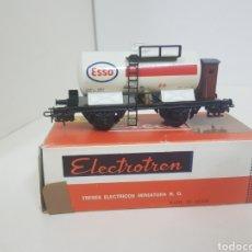 Trenes Escala: ELECTROTREN ANTIGUO VAGÓN CISTERNA CON GARITA ESSO BLANCO. Lote 135332638
