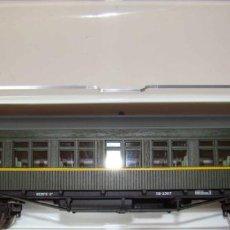 Trenes Escala: COCHE DE VIAJEROS COCHE COSTA 2 CLASE RENFE CON ILUMINACION INTERIOR REF.:E5085. Lote 151420598