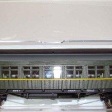 Trenes Escala: COCHE DE VIAJEROS COCHE COSTA 2 CLASE RENFE CON ILUMINACION INTERIOR REF.:E5086. Lote 151420654