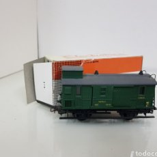 Trenes Escala: VAGON ELECTROTREN CORREOS CON PUERTAS CORREDERAS RENFE EQUIPAJES DE 10 CM EN VERDE. Lote 154650418