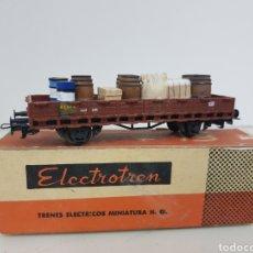 Trenes Escala: ELECTROTREN 1103 ESCALA H0 CORRIENTE CONTINUA DE 12 CM CON BIDONES SACOS Y CAJAS. Lote 162713441