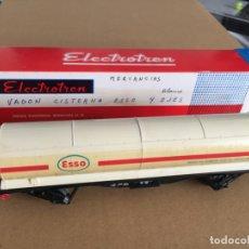 Trenes Escala: VAGÓN CISTERNA ESSO - ELECTROTREN EN CAJA ESCALA H0 - REF. 5300. Lote 166622310