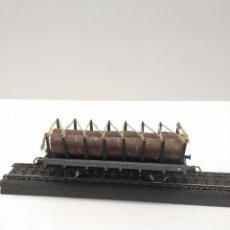 Trenes Escala: ELECTROTREN HO VAGON TELERO GRIS CON CARGA DE TRONCOS RF 1005. Lote 170431036