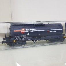 Trenes Escala: ELECTROTREN VAGÓN CISTERNA REPSOL RENFE AZUL DE 16 CM. Lote 182983741