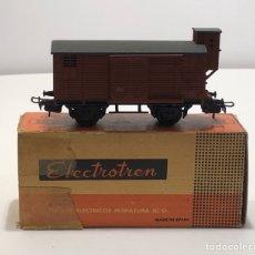 Trains Échelle: ELECTROTREN H0 855 - CERRADO UNIFICADO ANTIGUO CON GARITA Y DOS PUERTAS ROJO RENFE. Lote 201155906
