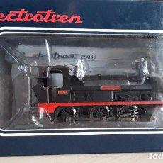 Trenes Escala: ELECTROTREN H0 LOCOMOTORA VAPOR 030 *SANTURCE* DE RENFE, REFERENCIA E0039.. Lote 207210842