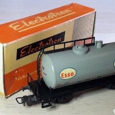 Trenes Escala: VAGÓN GRAN CISTERNA ESSO REF. 1106-4, ESC. H0 1/87, ELECTROTREN MADE IN SPAIN, AÑOS 60. CON CAJA. Lote 207944767