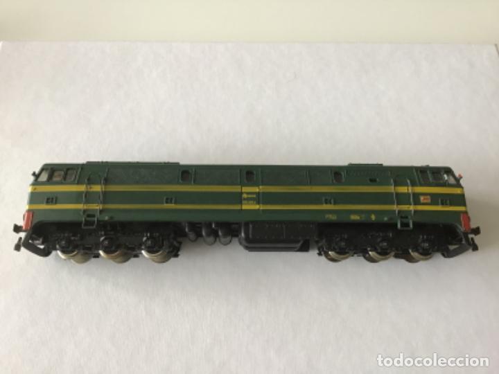Trenes Escala: H0 Electrotren Locomotora Diésel Renfe 333. Ref. 2020. Años 70. Muy buen estado - Foto 4 - 210132453