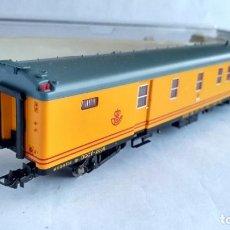Trenes Escala: ELECTROTREN H0 REF 5221K FURGÓN RENFE CORREOS, COMO NUEVO, EN CAJA. Lote 211554004