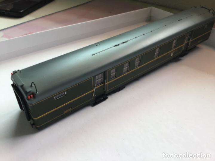 Trenes Escala: Electrotren h0. Vagón furgón correos verde dgdc época III. Precioso. - Foto 2 - 214912761